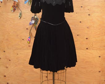 Amazing Vintage 80's David Fieden Black Velvet Button Up Suit, Skirt Bodice SZ S