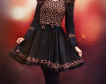 Gothic Lolita dress black with Strawberry pattern print and lace size S 36