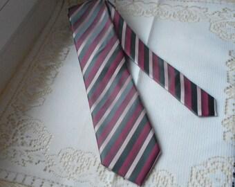 stunning vintage mans neck tie