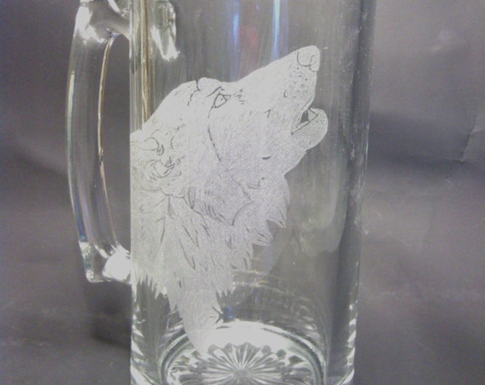 Howling Wolf Head engraved on a 20 oz Beer Mug