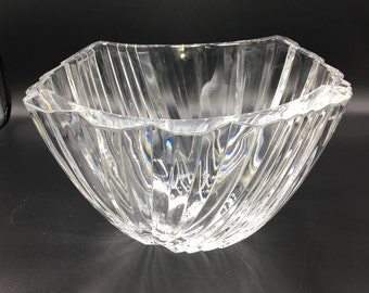 Exquisite Cut Crystal Bowl, Perfect Condition, Perfect Wedding  or Hostess Gift