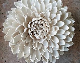 Open Up Porcelain Chrysanthemum