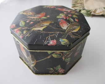 vintage floral  DECORATIVE Tin- black, birds, hinged, made in ENGLAND