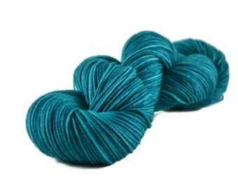 Sport Yarn, Merino yarn, sport weight yarn, superwash wool yarn, 100% Superwash Merino, teal, blue green, merino sport - Mermaid