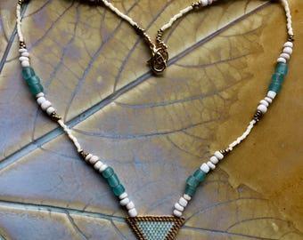 Green garnet beaded necklace, brickstitch necklace, white ethnic beaded necklace