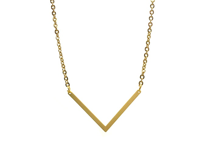CHEVRON: simple gold geometric necklace