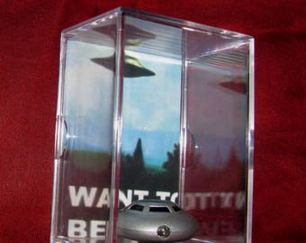 L@@k~'I Want To Be Believe' Space Ship with Poster Backround/Ufo-X Files Theme ..Cool Fun/Unique Gift!