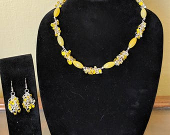 Lemon yellow necklace and earrings