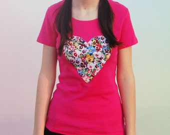 SALE // Pansy flowers heart T-Shirt / Size M / Pink / Mother's day gift