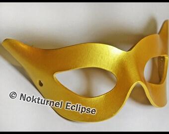 1950s Catwoman Gold Leather Mask Superhero Mardi Gras Cosplay Masquerade Party Halloween Comic Con Gotham Costume
