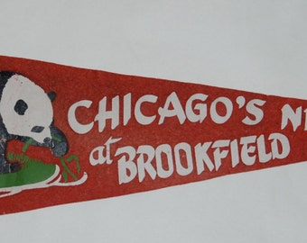 Genuine Vintage Original 1930s Felt Pennant New Chicago Zoo at Brookfield -- Free Shipping!