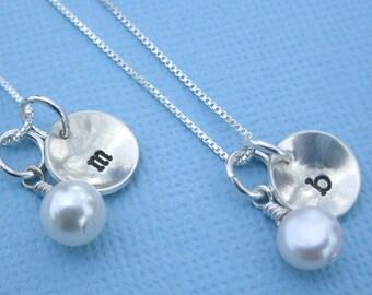 Bridesmaid necklaces - Wedding necklaces - Pearl and Silver bridesmaid necklace - Set of 5