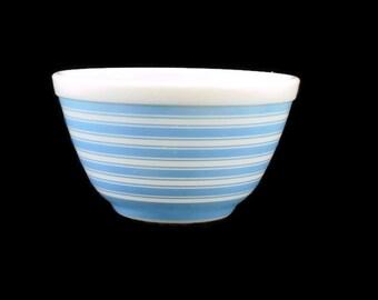 Pyrex Blue Stripe Mixing Bowl #401 * 1 1/2 Pint * Rainbow Stripes