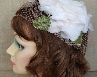 Vintage Women's White Floral Veiled Hat