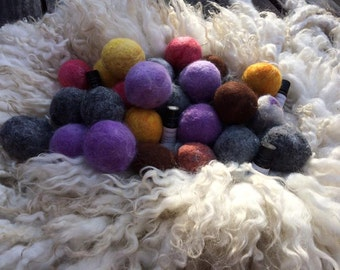 Set of 3 100% Wool Dryer Balls with Fragrance Oil