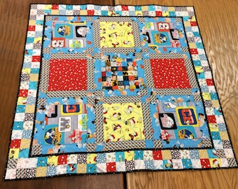 Peanuts Quilt with Bonus Pillowcase, Charlie Brown and Snoopy, Lucy, Linus, Woodstock Play Quilt, Napping Blanket
