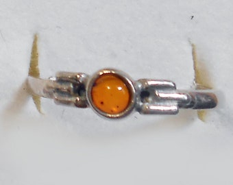 Size 8 Delicate Baltic Amber Sterling Silver Ring New Vintage Wholesale Peace and Protection