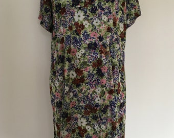 A Lovely 1960s Floral Day Dress with Kitty Bow Detail