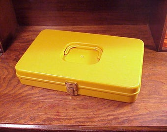 Vintage Wil-Hold Mustard Yellow Color Sewing Hard Plastic Storage Case, for thread spools and bobbins, Flat, 1970's, Organization