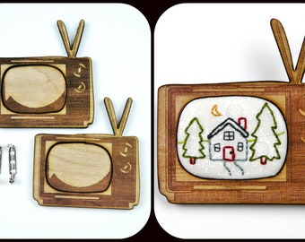 2 Retro TV Pin Embroidery Blanks - wood Frame brooch cross stitch Craft Supply Jewelry