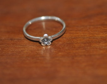 Sterling Silver Stackable Flower Ring - Size 9.25