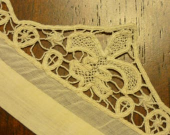 Antique  BOBBIN  Lace Collar..Handmade...Raised Detail  FLEUR Di Lis...Lace Collector...Free Shipping