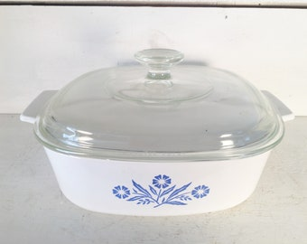 2 Quart Vintage Corning Ware Casserole Dish with Glass Lid/Farmhouse Kitchen Collectible Corning Ware Baking Dish/Shabby Chic Casserole Dish