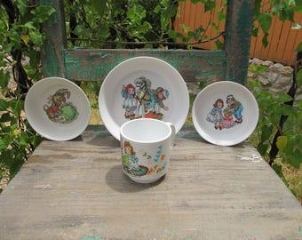 Cute Vintage set of 4 Raggedy Ann \u0026 Andy/Peter Rabbit Melamine Children\u0027s Dishes from & Childrens melamine | Etsy