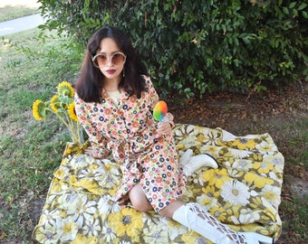 Vintage 70s Flower Power Outerwear/dress