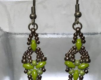 Woven Drop Earrings Flower Drop Earrings Beadwork Earrings Seed Bead Earrings Green Bead Earrings Beadwoven Earrings SuperDuo Earrings