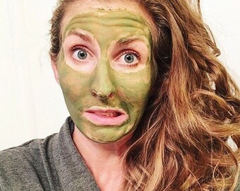 GREEN FACE MASK // face mask // matcha tea // matcha mask // purify // clay mask // antioxidant mask  // vegan face mask // organic mask //