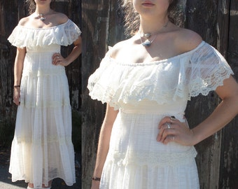 Vintage 1970's Dress // 70s Cream Lace Edwardian Style Gown // Tiered Off The Shoulder Wedding Dress