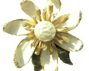 White flower brooch jewelry old costume jewelry brooches floral white flower floral jewellery bridal  flower pin wedding jewelry