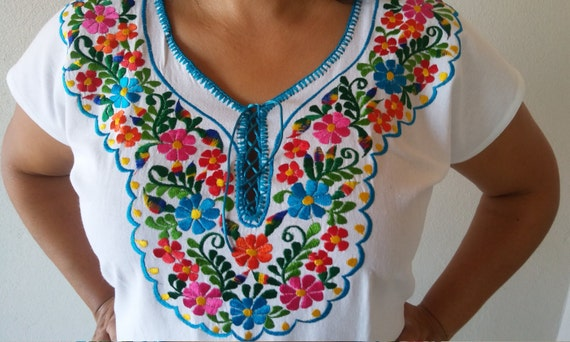 Embroidery Mexican Dress, Mexican White dress, Oaxacan Embroidered Dress,  Folk embroidered flower, Mexican embroidery, Maria Frida clothing