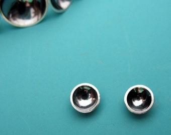 Petite Saucer Earrings