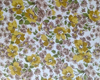 """35"""" W x 1 2/3 yards L Yellow and Brown Flowers on White"""