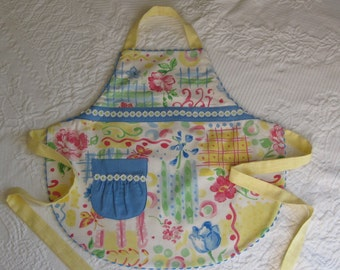 READY TO SHIP- Pasteled Daisy and Rick Rack Apron: Size 3/4