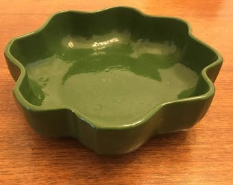 Rare vintage 8-pointed dark green ceramic bowl
