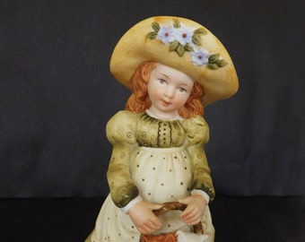 Vintage Figurine Holly Hobbie 1975 Collectible Porcelain Bisque Decorative Decor Accent Made In Japan