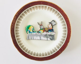 Madhatter's Teaparty Alice in Wonderland on Cream Display Plate 3D Sculpture with Dark Red and Gold Border for Wall Decor Gift