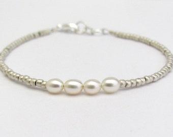 Pearl Bracelet, Seed Bead Bracelet, Silver Bracelet, Minimal Bracelet, Friendship Bracelet, Bridesmaid Jewelry, Wedding, Hawaii Jewelry