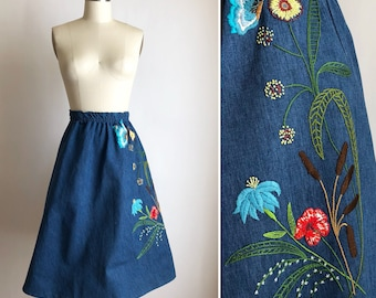 70s denim skirt S/M ~ vintage embroidered skirt