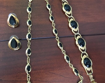 Gold and Onyxia Bracelet, Earring, Necklace Set