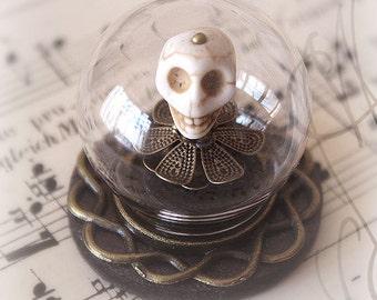 """Reliquary to the skull Samurai, """" Fleurs du Mal """""""