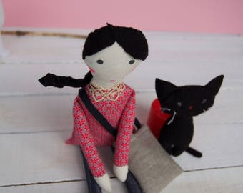 Rag art doll, handmade with bag and stuffed wool cat, Mia et son chat, un rossignol sur un fil, eco friendly ink, best nursery deco idea