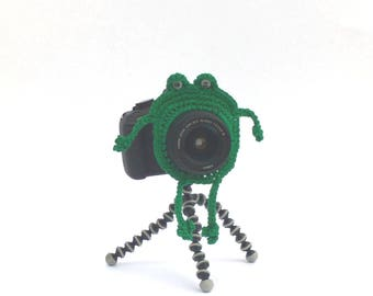 Frog Camera Buddy, Frog Photo Prop, Frog Lens Critter, Lens Accessory, Shutter Hugger Photo Prop, Photography Gift, Animal Lens Buddy