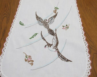 Table Runner Embroidery Vintage Flying Bird and Falling Leaves with Crocheted Edges