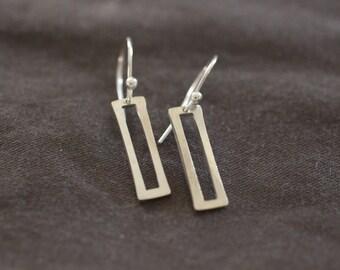 modern earrings, simple earrings, sterling silver earrings, silver rectangle earrings, silver bar, everyday earrings, hypoallergenic, E22