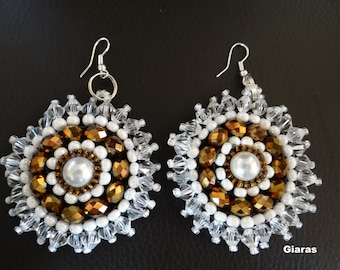 Beads and crystals earrings