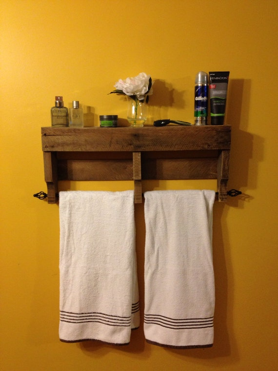 Items similar to The **ORIGINAL** Rustic Pallet Towel Rack Shelf ...
